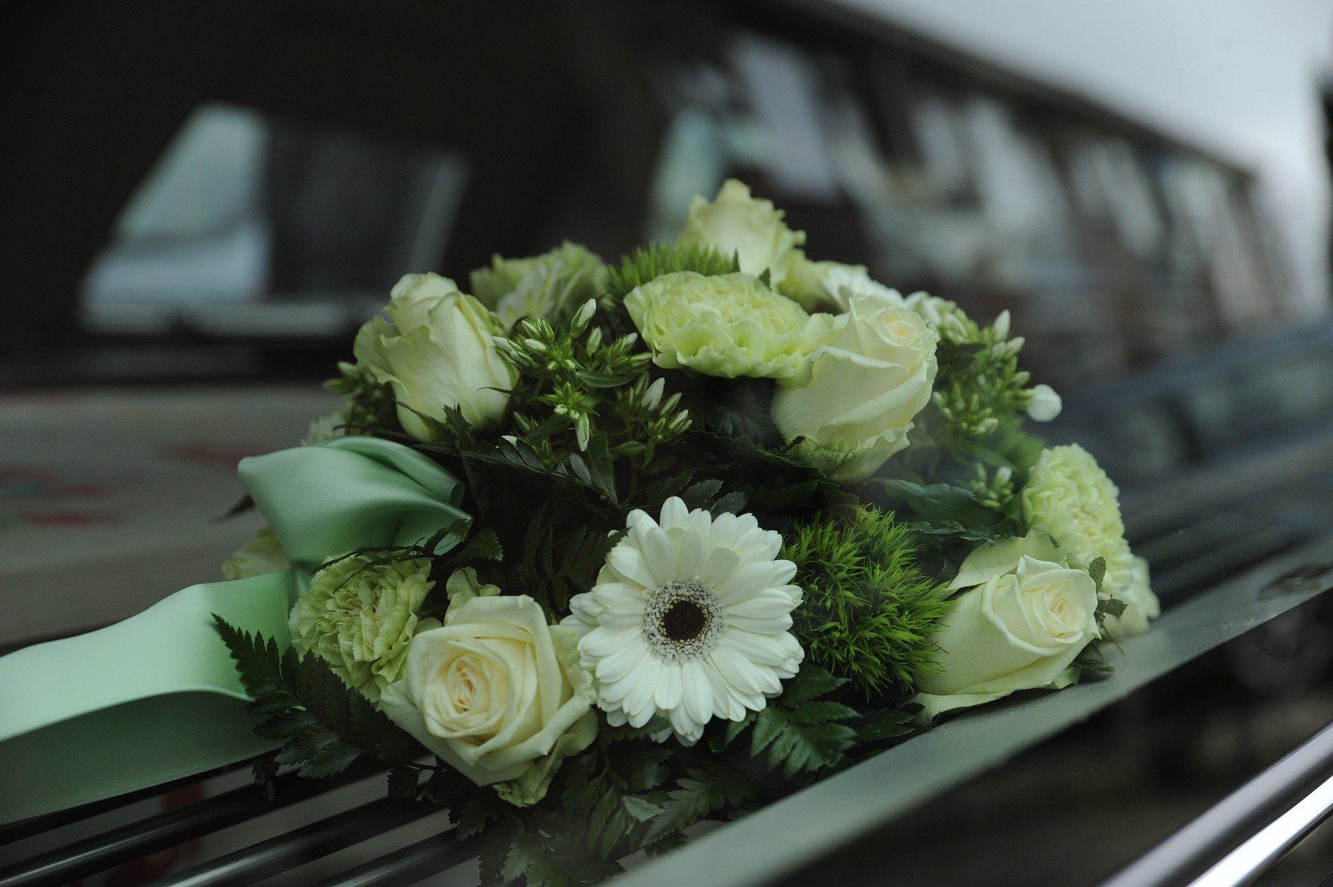 flowers 4839339 1920